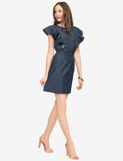 Джинсовое платье с рюшами и поясом Глория Джинс