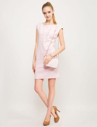 Платье-футляр нежно-розового оттенка Глория Джинс