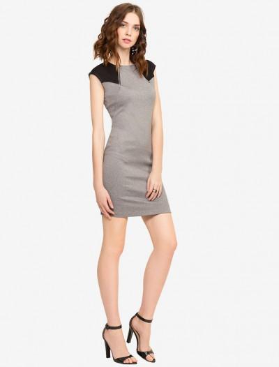 Платье с контрастными вставками Глория Джинс